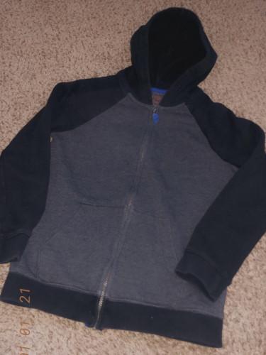 Cat and Jack M Sweaters/Sweatshirts